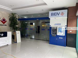 cửa tự động ngân hàng